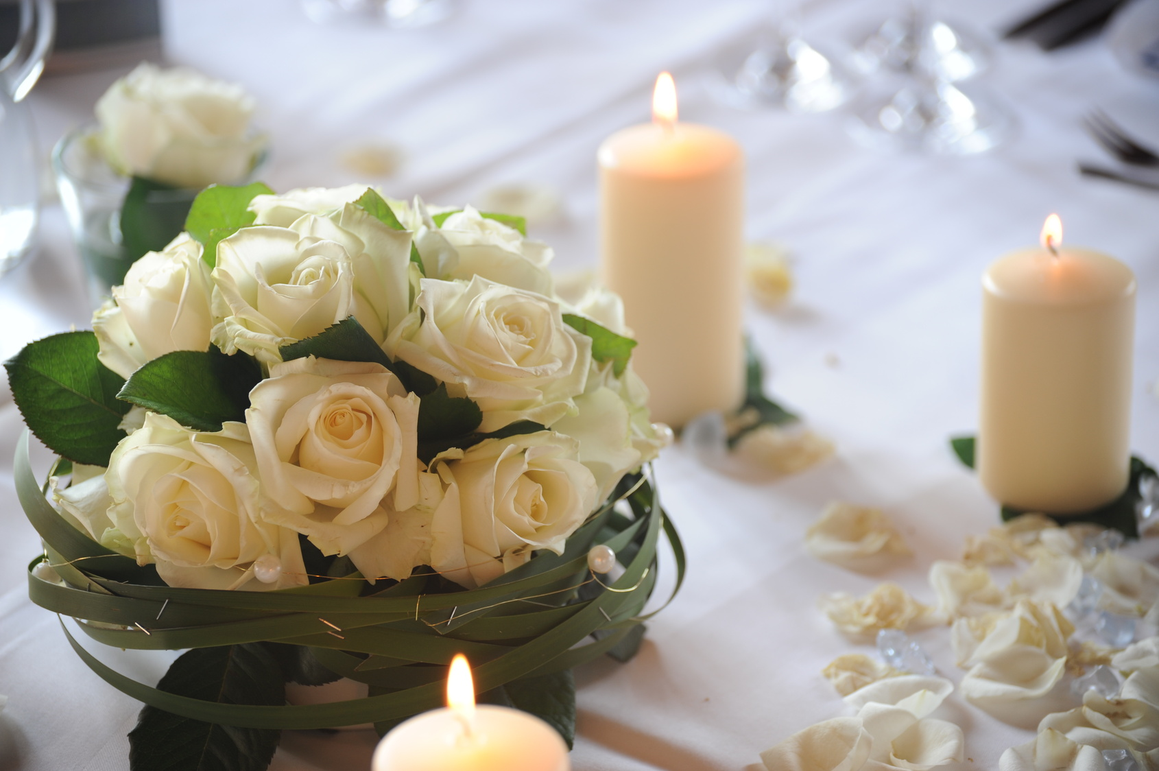 Many Brides Prefer Using Fresh Flowers For Their Weddings Simply Because They The Look Of Real Thing It Can Be Very Difficult To Find Silk